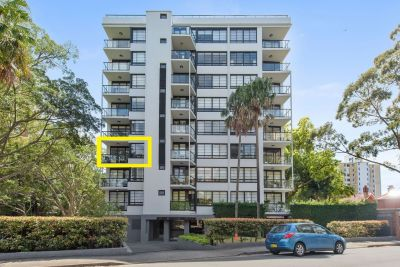 EXECUTIVE STYLE APARTMENT PLUS PARKING IN EXCLUSIVE 'PENINSULA'