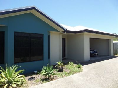 Modern 3 bedroom Home with Air-Conditioning