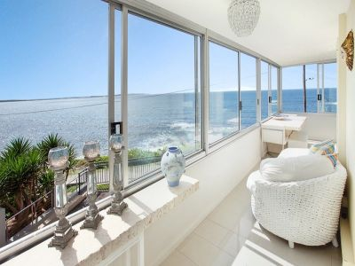 SHORT TERM FLEXIBLE AVAILABILITY RENTAL - ABSOLUTE OCEAN FRONT FULLY FURNISHED LUXURY APARTMENT