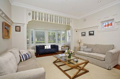 Classic renovated Freestanding Family Home with sunny garden, pool and parking.