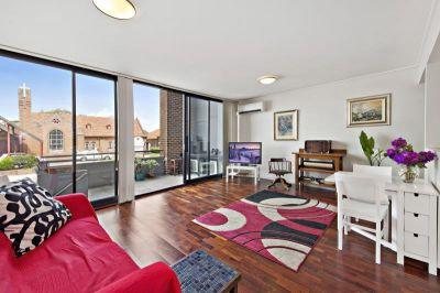Versatile split level apartment
