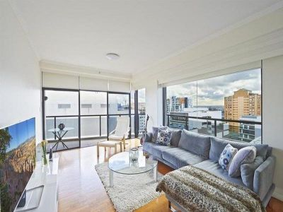 Luxurious Two Bedroom Apartment with Double Parking - Freshly Painted