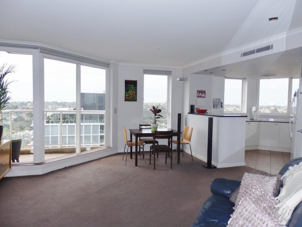 Spacious 2 Bedroom with panoramic views in prestigious 'ELAN' building