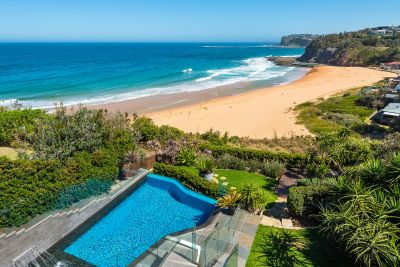 Dramatic contemporary masterpiece on Bilgola Beach
