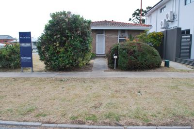 SOUGHT AFTER LOCATION!!