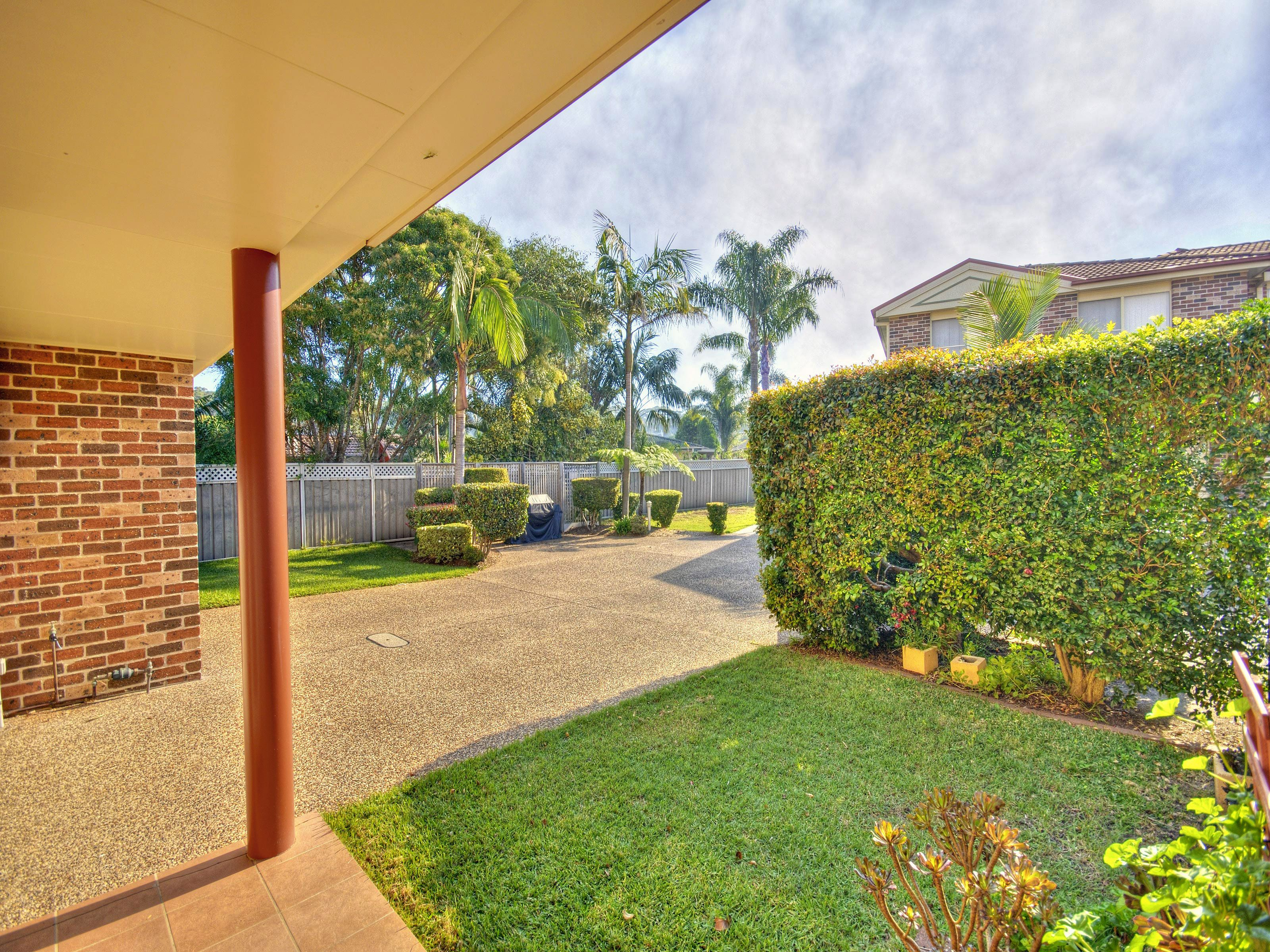 4/4 Crystal Close, Fingal Bay