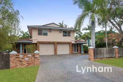 Double Storey Townhouse Opposite Bowls Club!