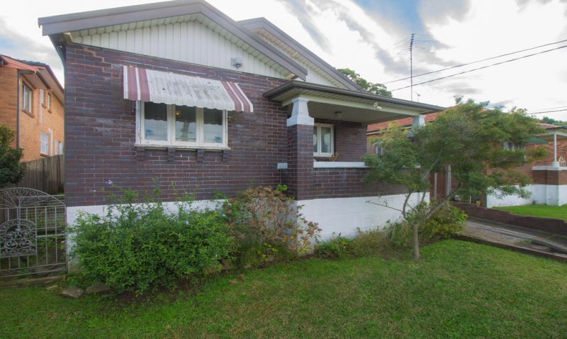 Classic Two bedroom home with big yard