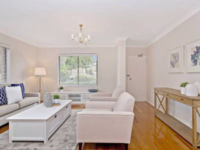 Luxuriously renovated boutique apartment