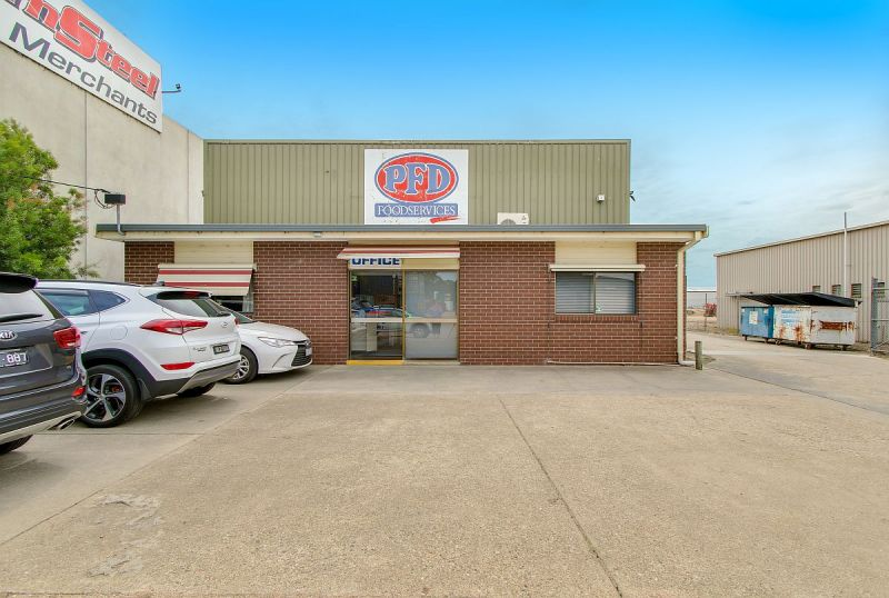 INDUSTRIAL INVESTMENT FREEHOLD LEASED TO NATIONAL TENANT