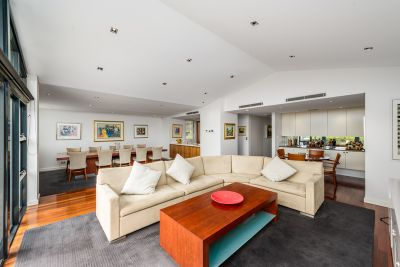 A rare opportunity, expansive executive apartment with house-like ambience