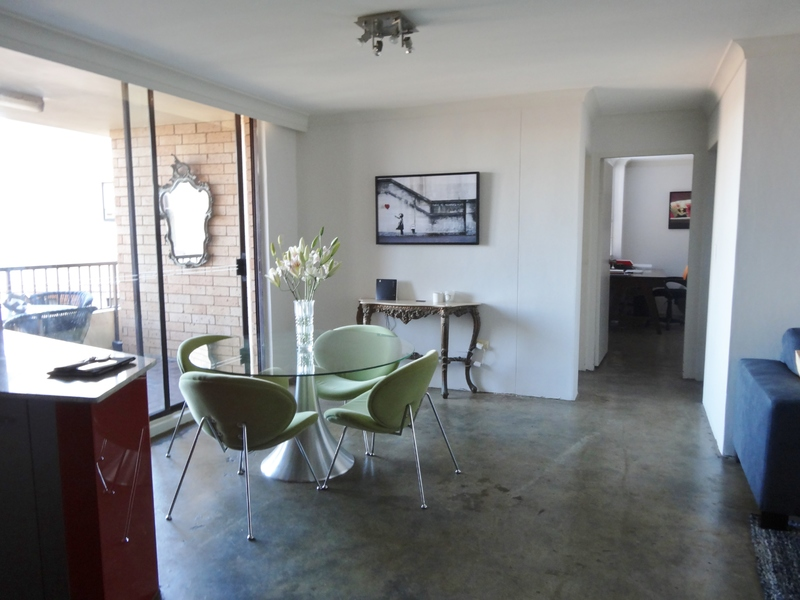 Spacious Two bedroom Apartment with Secure Parking