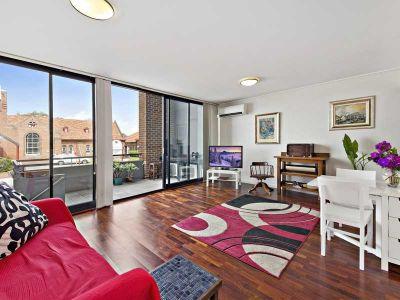 Versatile split level apartment or commercial space