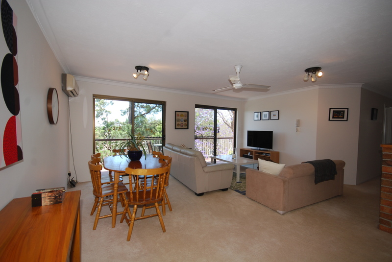 FABULOUS AREA VIEWS & FULLY FURNISHED WITH EVERYTHING YOU NEED!!
