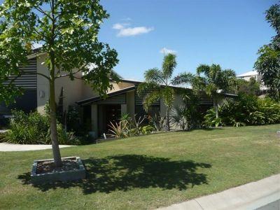 Where Eagles Soar - Ormeau Hills - Contemporary Home