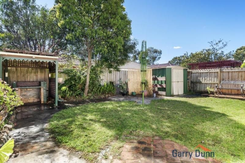 21 Castlerock Court, Wattle Grove