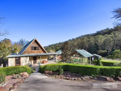 pretty as a picture! gorgeous two storey country cottage on lovely peaceful acres with pool, shedding and horse facilities. suit lifestyle, horses.