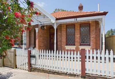 Charming 3 bedroom semi, outstanding location