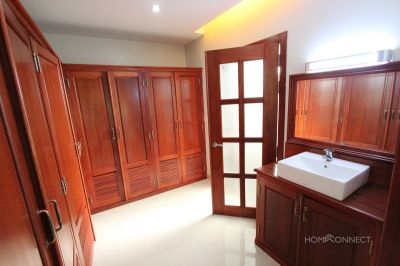 Tonle Bassac | Villa for rent in Chamkarmon Tonle Bassac img 2