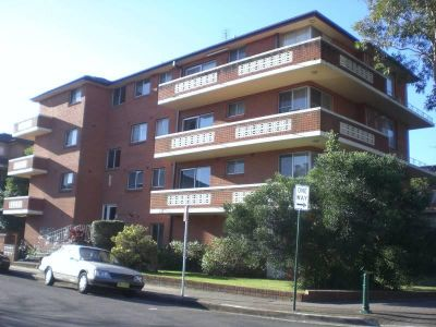 Well maintained 1 bedroom unit