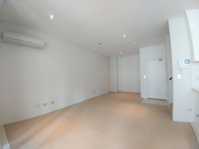 Modern dual level apartment