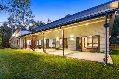Modern Contemporary Home on almost 4 Usable & Fenced Acres