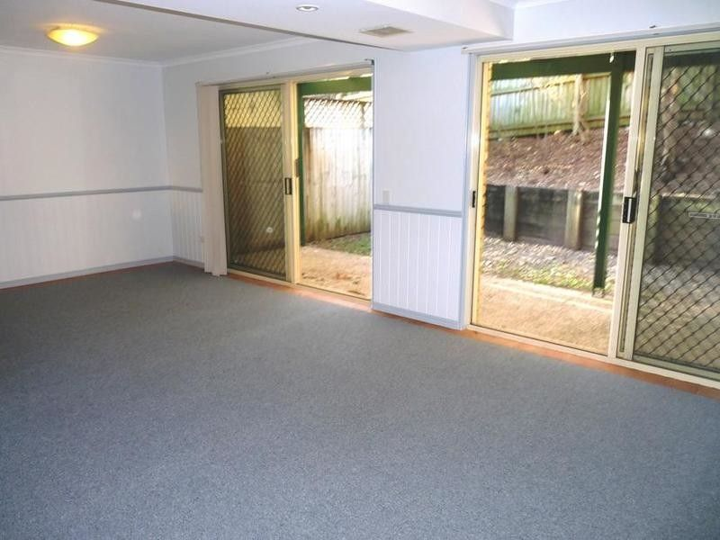 PET FRIENDLY - 3 BED TOWNHOUSE IN GREAT LOCATION
