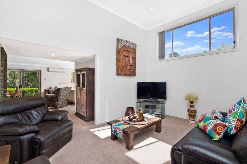 Ideally Positioned 3 bedroom Townhouse with Views