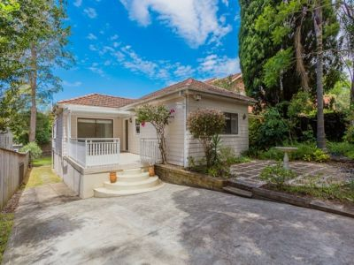 WARM FAMILY HOME WITH HUNTERS HILL ADDRESS