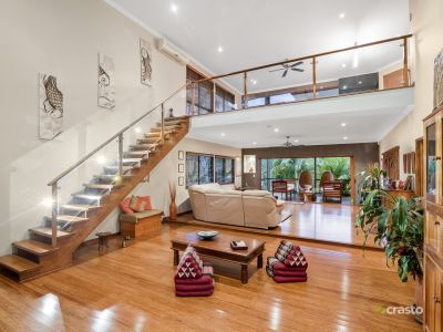 Large 60sqs Tropical family Hideaway with Spectacular Views