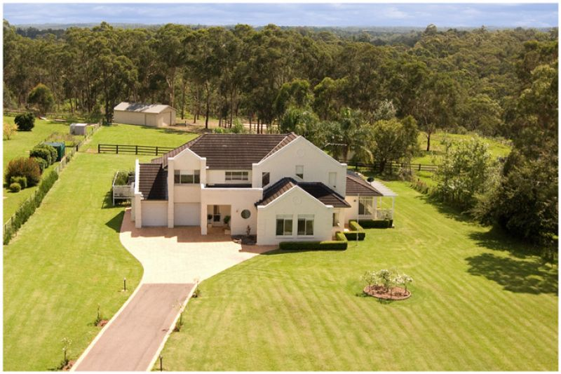 OPEN SAT. Luxury contemporary family home with independent fully self-contained 1 bed flat on 5 magnificent lifestyle acres suitable for horses.