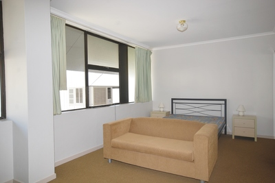 FULLY FURNISHED UNIT IN PRIME LOCATION!