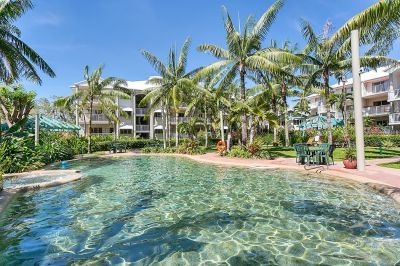 Unit for sale in Cairns & District HOLLOWAYS BEACH