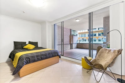 MODERN, SPACIOUS AND PERFECTLY LOCATED STUDIO APARTMENT - 45sqm approx