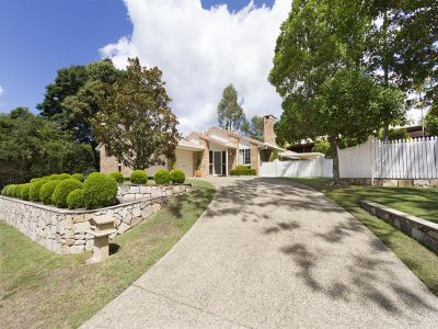 ELEGANT HOME WITH SUBDIVISION POTENTIAL