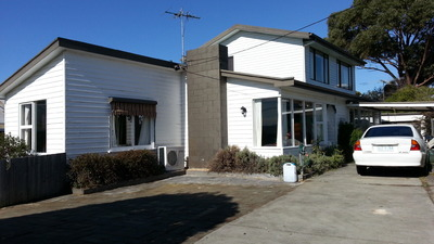 Large Berriedale Home For Sale..Close to Mona, Schools and Shops.