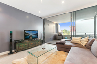 On the edge of the CBD 1 BED NEW BUILDING Aircon Parking WIFI