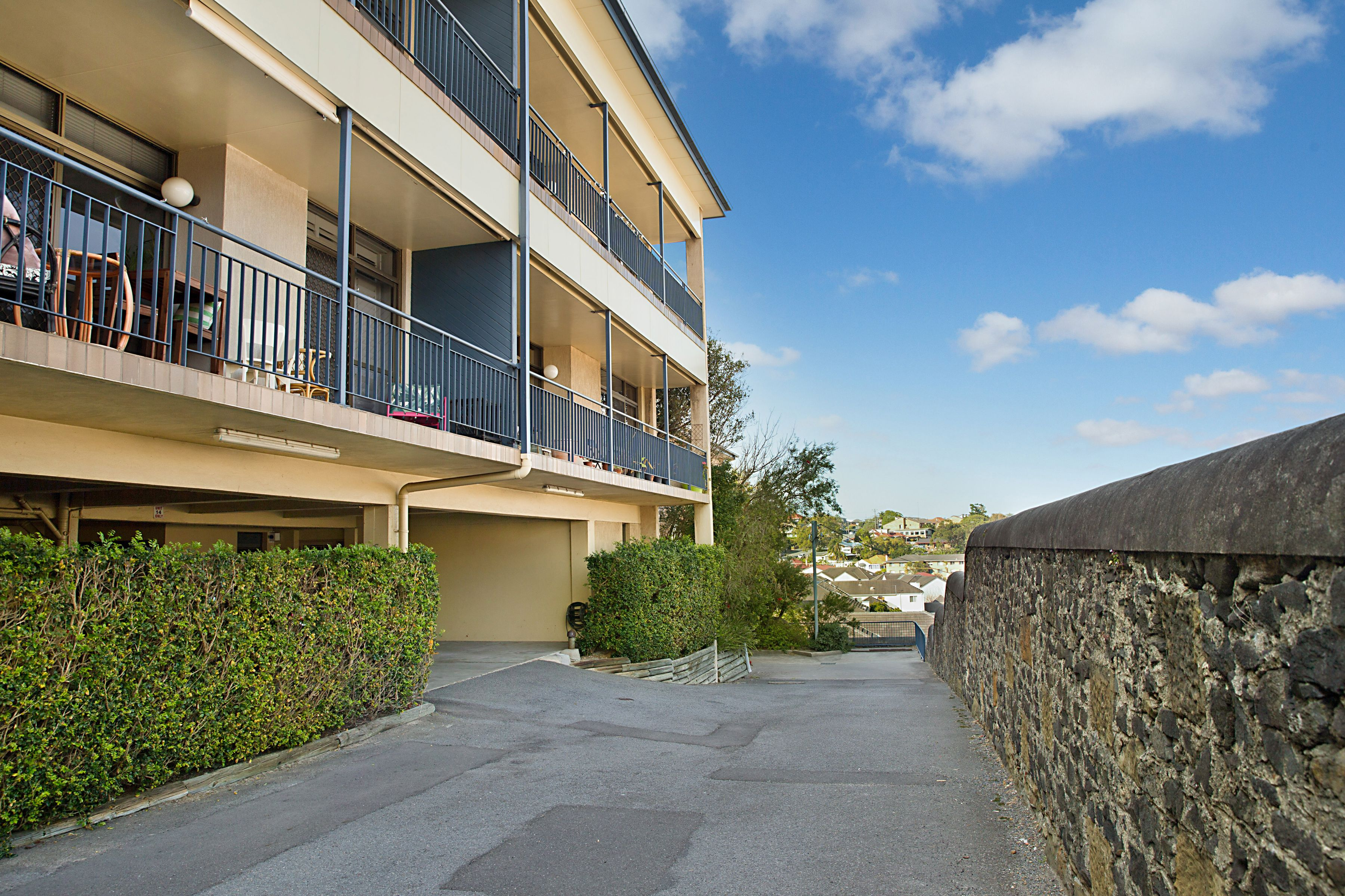 9/112 Tyrrell Street, The Hill