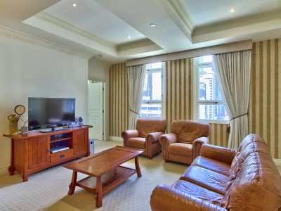 Luxurious MacArthur Chambers Apartment