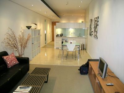EXECUTIVE FULLY FURNISHED & EQUIPPED ONE BEDROOM