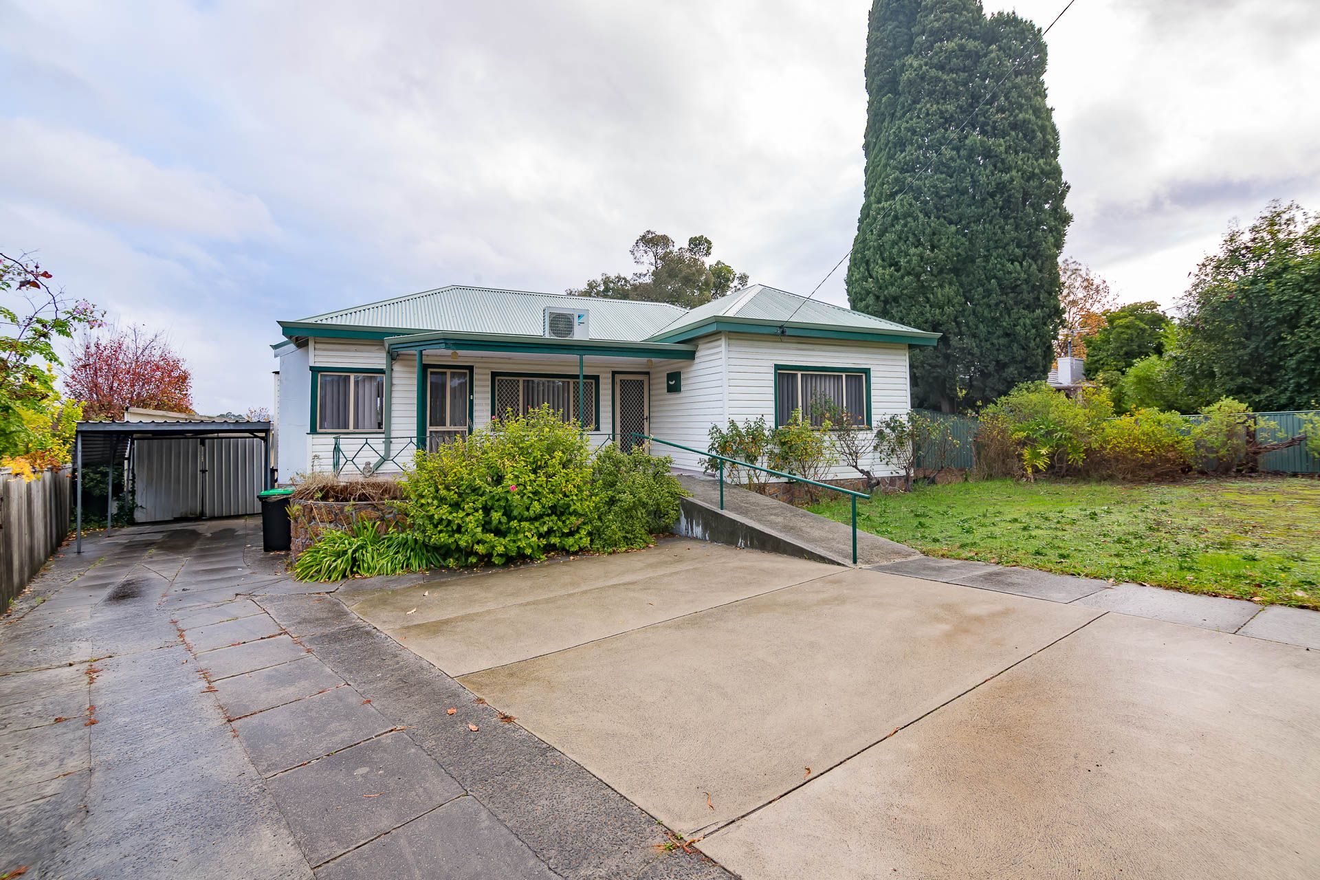 39 Deakin Street, Collie