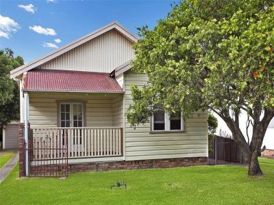 9 Oliver Street, MAYFIELD