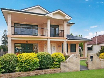 30 Lakeview Parade, PELICAN