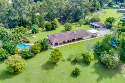 Large Family Home on Rare and Exclusive Acreage