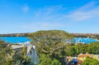 Grand Family Home on Approx. 900sqm Sundrenched Level Land offers Expansive Views & Blue Ribbon  Harbourside Location.