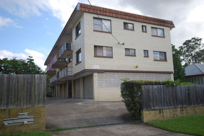 Generous Sized Unit In Excellent Chermside Location!