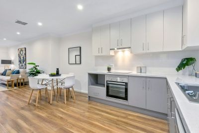Prestigious postcode and not a thing to do in this renovated home unit.