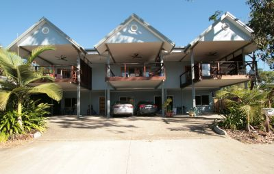 Townhouse for sale in Cairns & District Holloways Beach