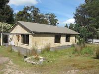 Three Bedroom Home in Bush Setting