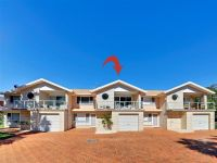 2/75 Rocky Point Road Fingal Bay, Nsw